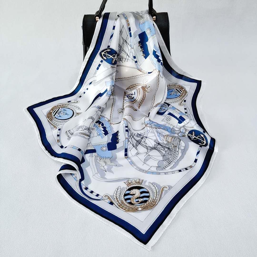 真丝围巾厂家生产的丝巾当礼品在传递情感!