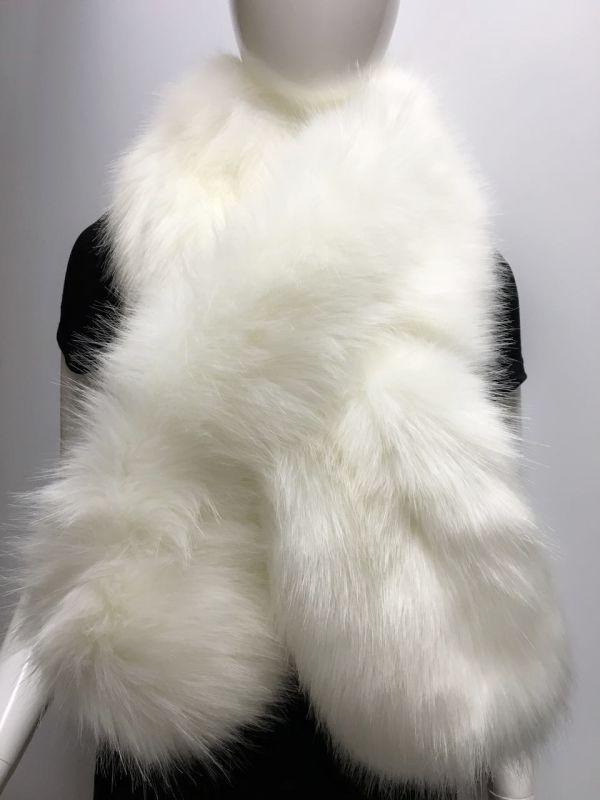 女士纯白毛领围巾