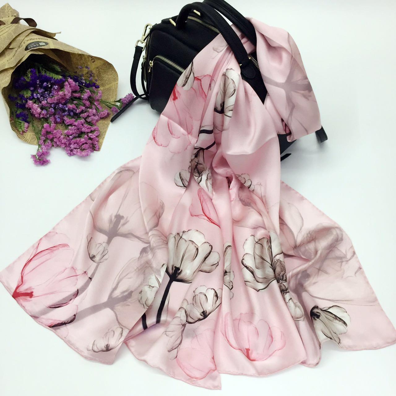 真丝缎面粉色木棉花围巾