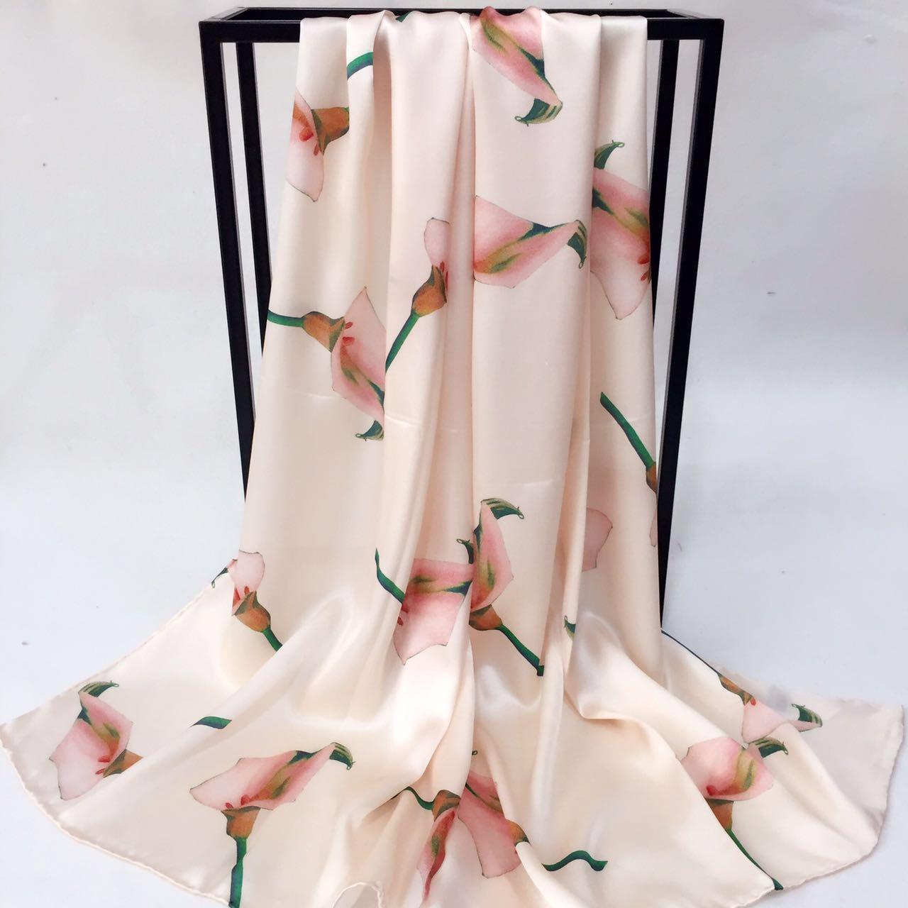 真丝缎面优雅马蹄莲围巾