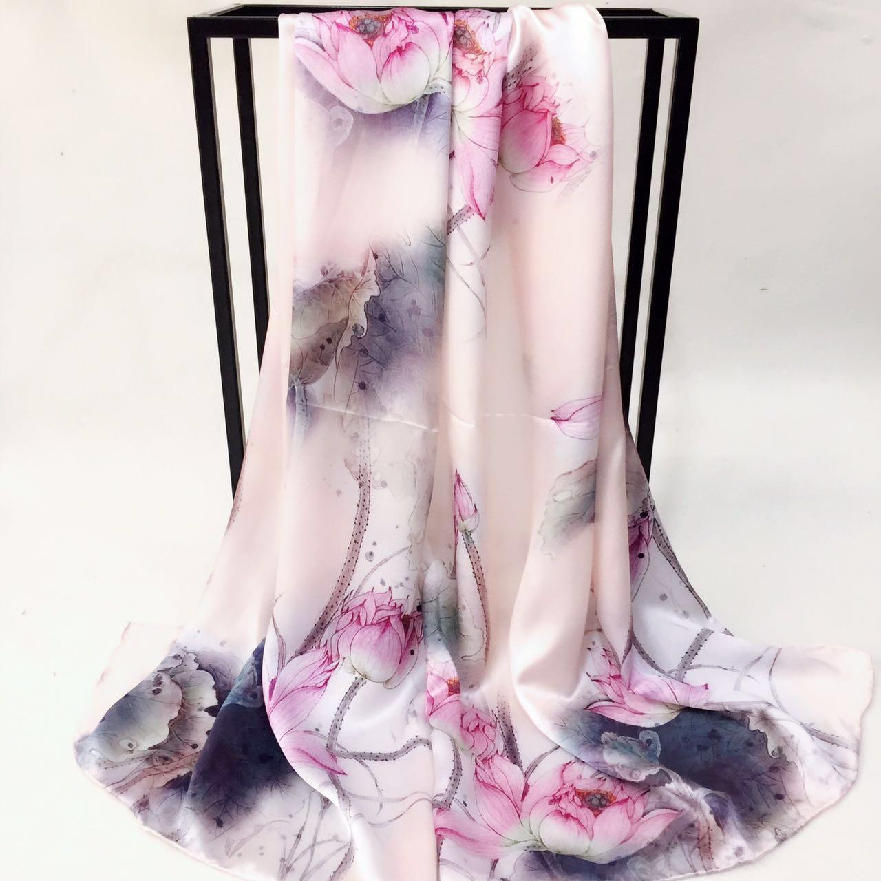 真丝缎面出水芙蓉围巾