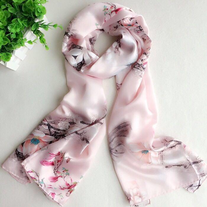 真丝缎面粉色玉兰花围巾