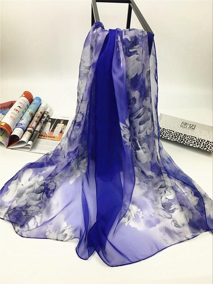 新款出水芙蓉系列超大尺寸女士仿真丝围巾海蓝