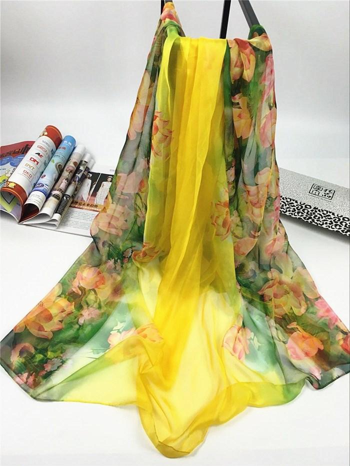 新款出水芙蓉系列超大尺寸女士仿真丝围巾黄色