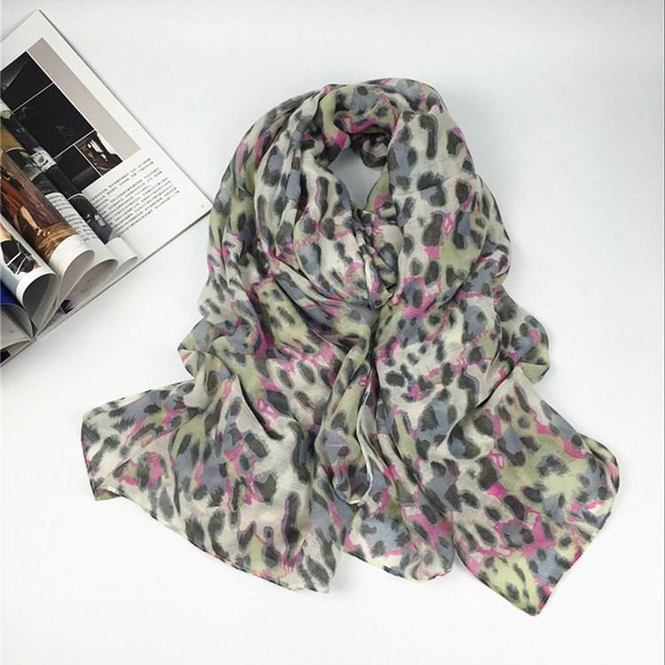 新款彩色豹纹巴厘纱围巾