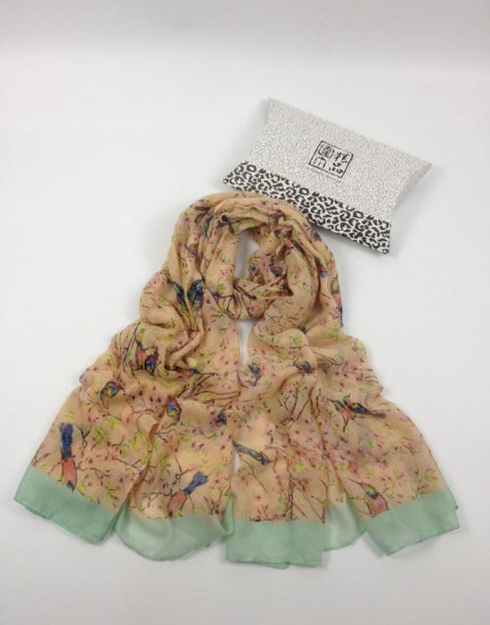 秋冬季动物主题系列小鸟巴厘纱丝巾