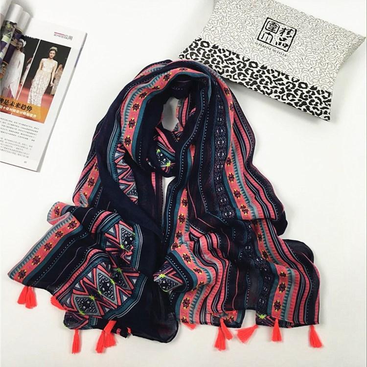 几何条纹巴厘纱围巾