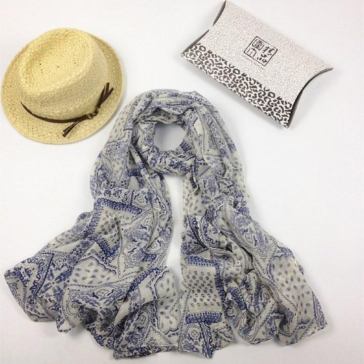 格子青花巴厘纱围巾