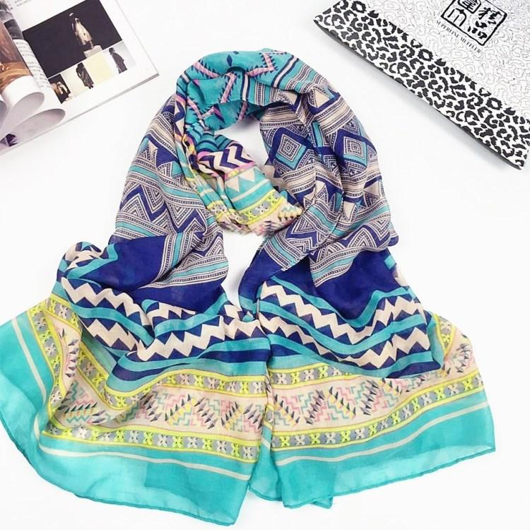 海蓝几何巴厘纱围巾