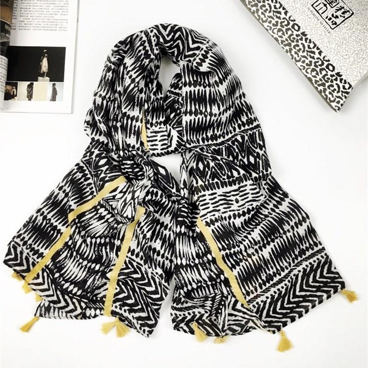 黄色挂须巴厘纱围巾
