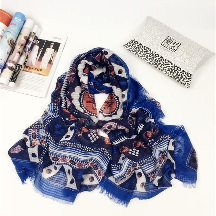 几何蓝色挂须巴厘纱围巾