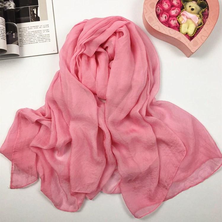 纯色仿真丝丝巾粉红色