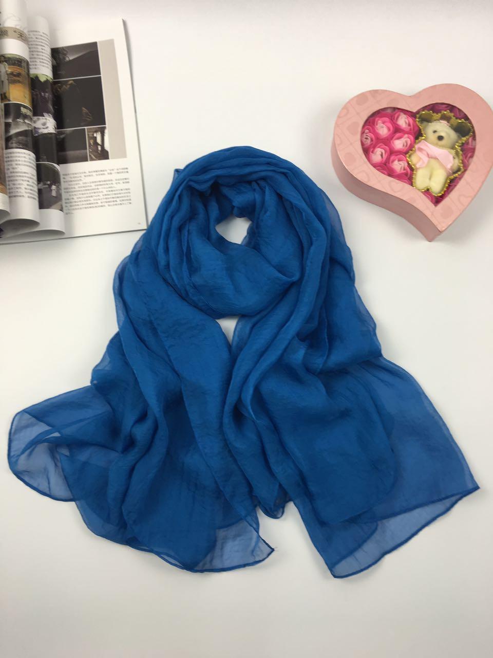 纯色仿真丝丝巾蓝色