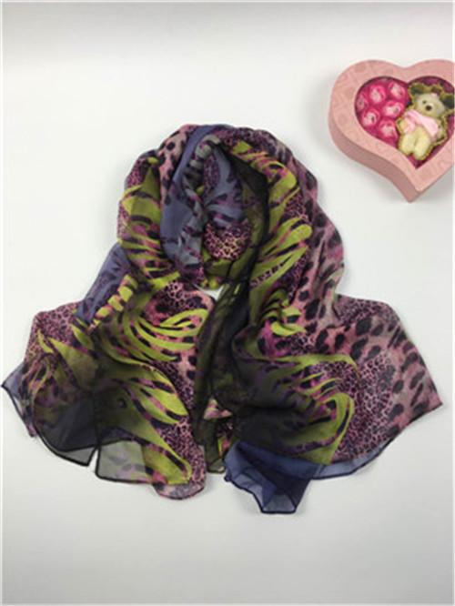 新款紫色豹纹仿真丝围巾